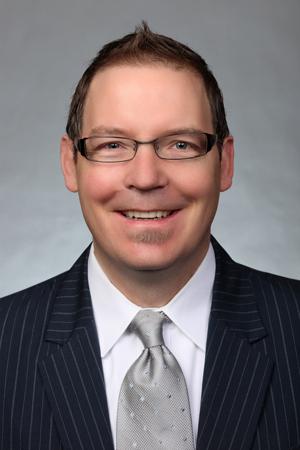Brady R Walker MD